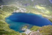 Озеро в истоках Ацгары Пятиозёрье река Ацгара Загеданский хребет