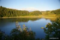Озеро Хуко и западная стена Фишта Озеро Хуко гора Фишт