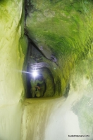 В Богатырских пещерах Высеченные в скале Богатырские пещеры
