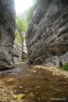 В каньоне Цице Скальные стенки каньон Цице