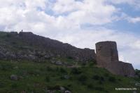 Стены крепости Чембало Крепость Чембало в Балаклаве