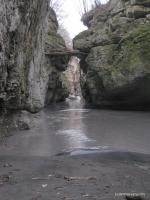 Верхняя часть теснины Хаджохская теснина, начало каньона. Здесь часто купаются