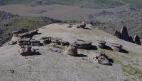 Каменные грибы (Приэльбрусье) Каменные грибы (Приэльбрусье)