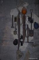 Инструменты камнедобытчиков Аджимушкайские каменоломни. Этими нехитрыми инструментами и выработали километры под землёй
