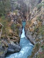 Каньон на Марухе вид с моста на теснину река Маруха