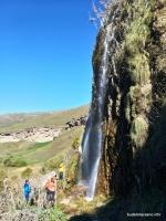 У большого водопада водопады и пещеры Гришкиной балки, Учкекен