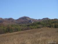 Скала Церковь рядом находятся Кизиловые скалы