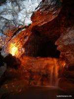Небольшой водослив в пещере  пещера Бесленеевская 2