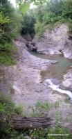 Каньон и вожопад Манькин Шум река Сахрай