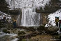 Большой Каверзинский водопад на школьные каникулы водопад по большой воде, в паводок