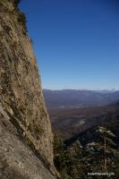 Вид на горы Перевдового хребта со скалы Раскол Передовой хребет