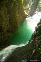 Глубокая водобойная яма на реке Мацесте Мацестинские водопады ущелье Мацесты