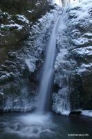Водопад в балке Коваленко (Сашкова) водопад зимой Адыгея