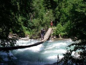 Подвесной мост на левый берег Б. Лабы